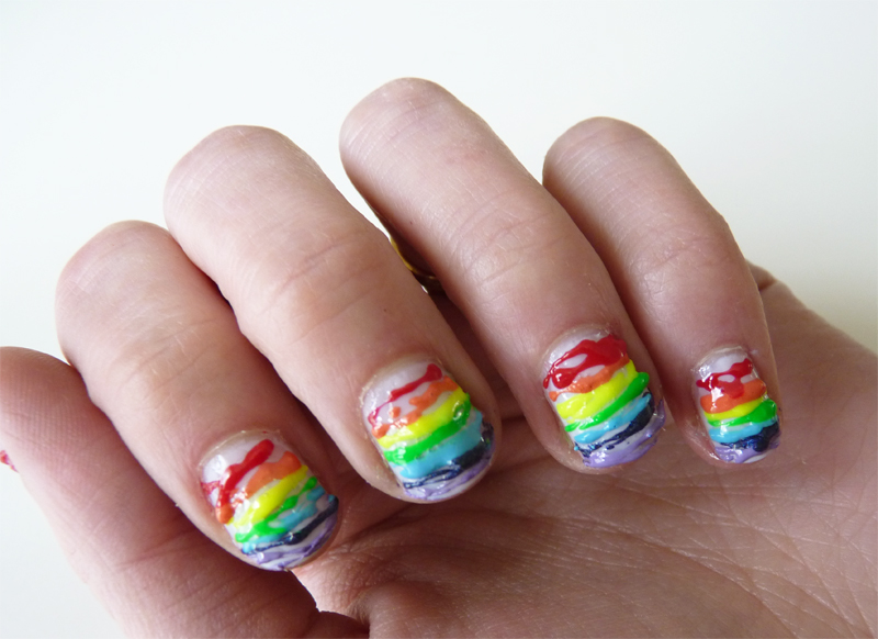 The Sunday Nail Battle : Clouds VS Rainbow & Fat Lines