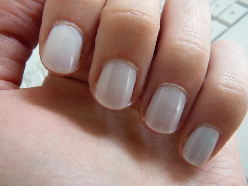 Blanc Peggy Sage pour préparer le nail gradient