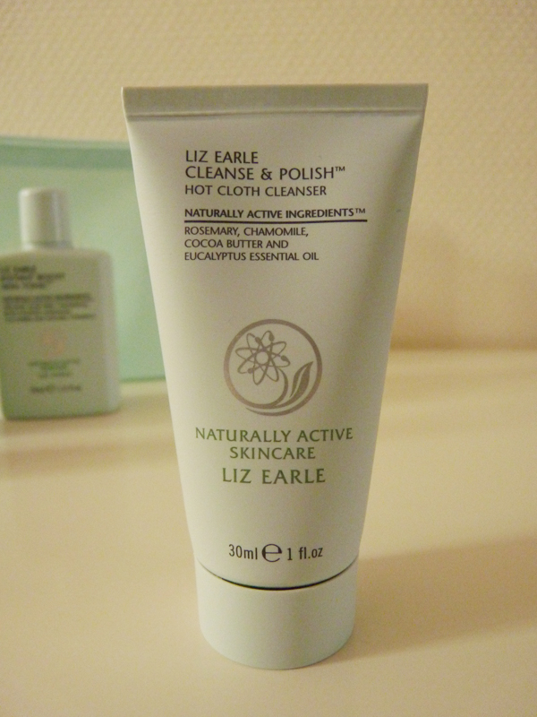 "Liz Earle -  kit  ""Essential Try-Me Kit "" - Cleanse & Polish"
