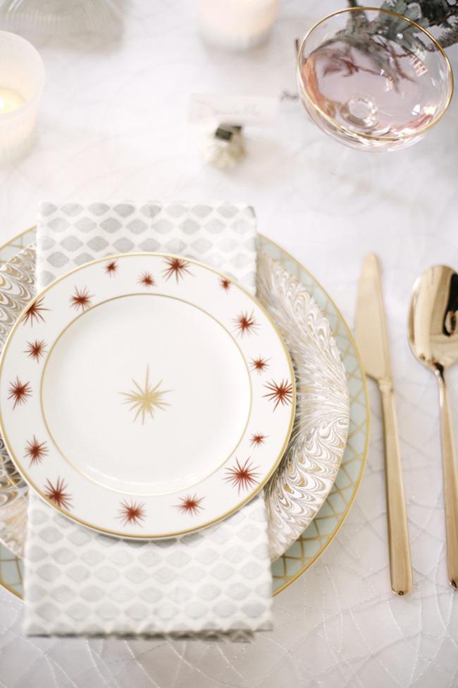jolies assiettes pour une table de fête table de noel cocokelley.com