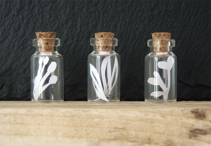de la botanique en fiole pendentif paper art paper cut