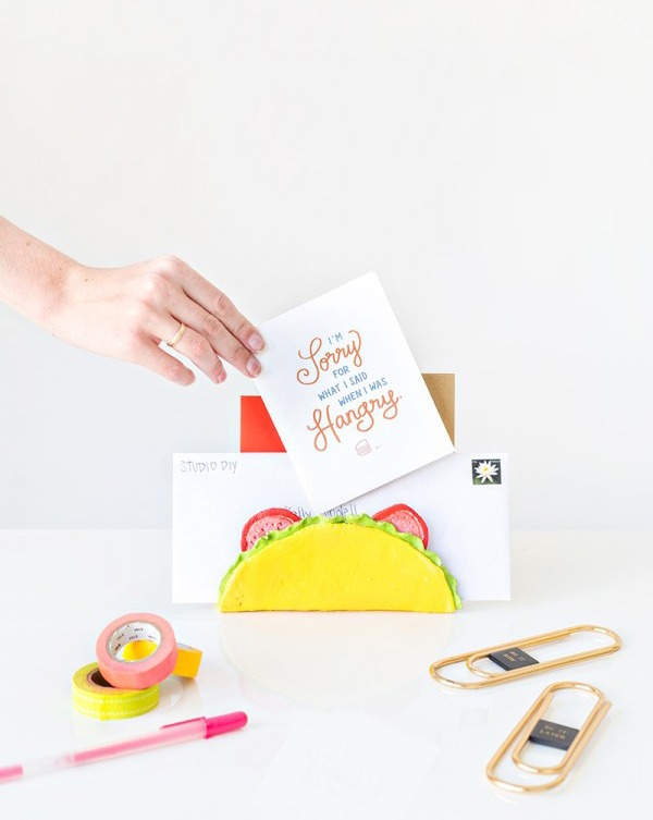 diy fun DIY-Taco-Letter-Holder
