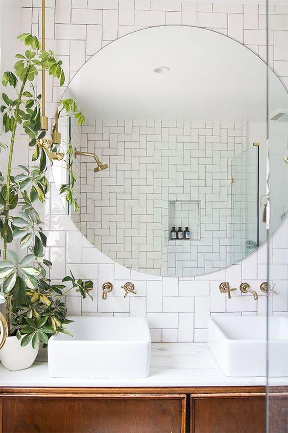 salle de bain petit volume exemple de salle de bain petit espace conception de salle de bain. Black Bedroom Furniture Sets. Home Design Ideas