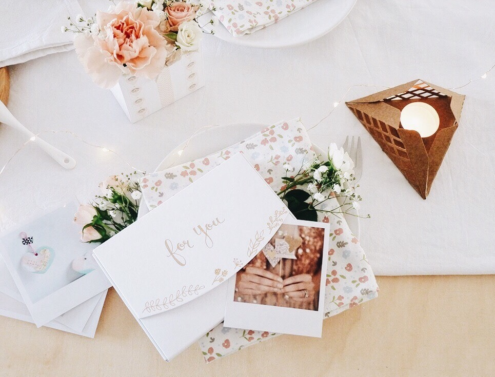 8f01f328f2ac decoration table fete des meres 2 - Black Confetti