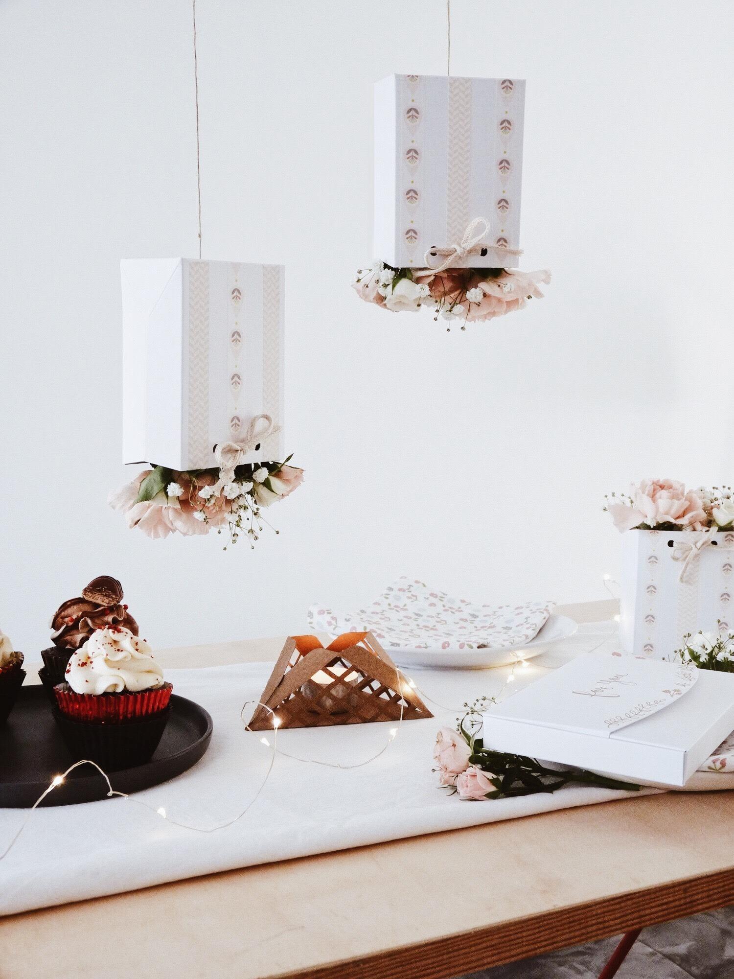decoration table fete des meres 8 black confetti. Black Bedroom Furniture Sets. Home Design Ideas