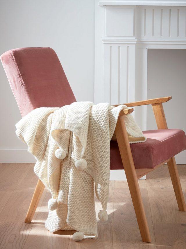 plaid-tricote-a-pompons